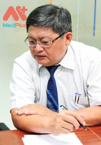 Bác sĩ Huỳnh Nghĩa khám huyết học hàng đầu Quận 10