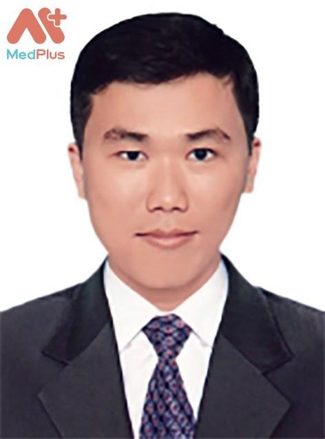 Bác sĩ Trần Quốc Tuấn