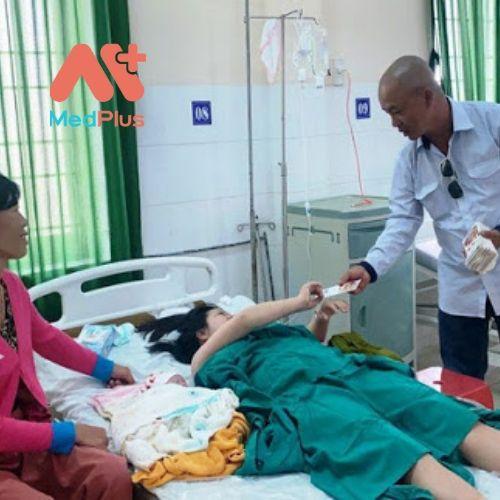 Bệnh nhân được chăm sóc rất tận tình và chu đáo