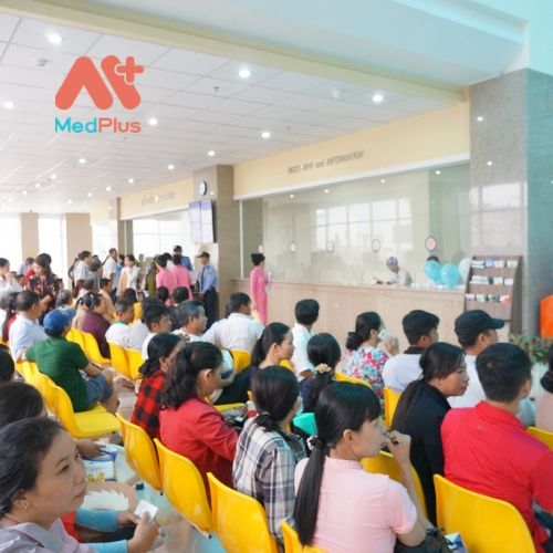 BVXA-VL tiếp nhận đông đảo bệnh nhân ngoại trú và nội trú.
