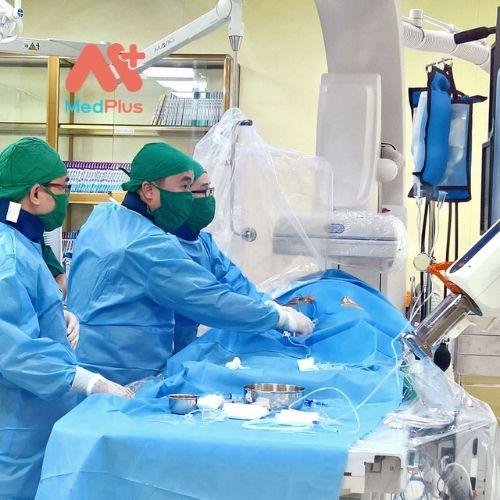 BVXA-VL triển khai các dịch vụ y tế kỹ thuật cao ngay từ khi hoạt động.