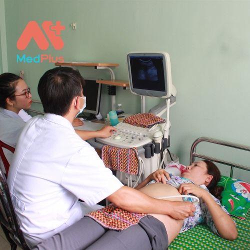 Chất lượng phục vụ và khám-chữa bệnh của huyện ngày càng được cải thiện.