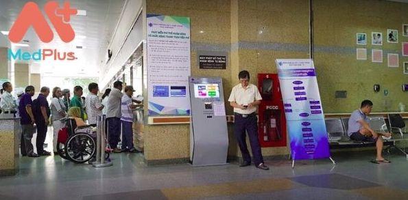 Khu đăng ký khám tại Bệnh viện đại học Y dược TP HCM