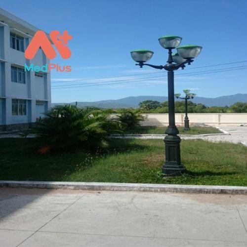 Khuôn viên Trung tâm y tế huyện Hàm Thuận Bắc
