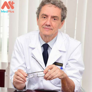 Bác sĩ Philippe Macaire
